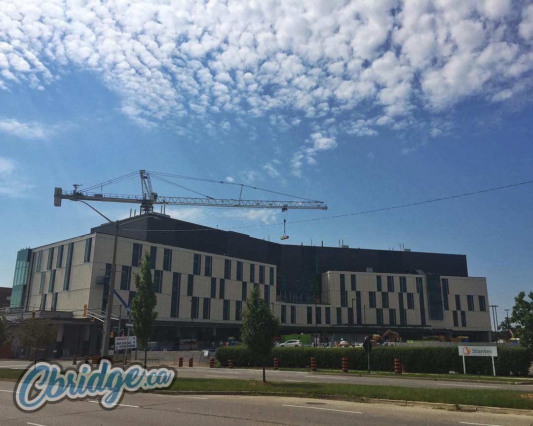 The crane is still hard at work on the new wing at Cambridge Memorial Hospital @_CMHospital #mycbridge