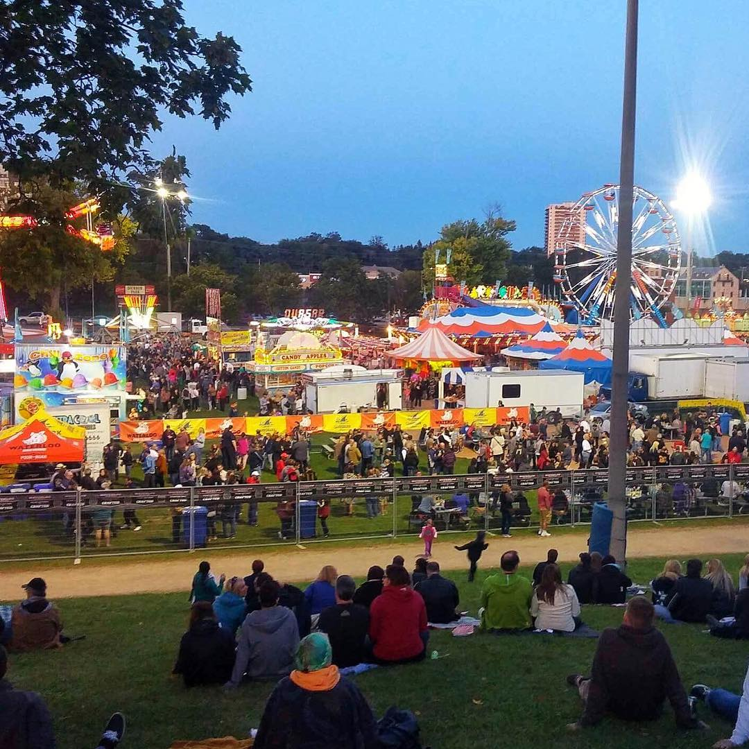 Dickson Park is packed for the annual Cambridge Fall Fair #mycbridge #fallfair #cbridge