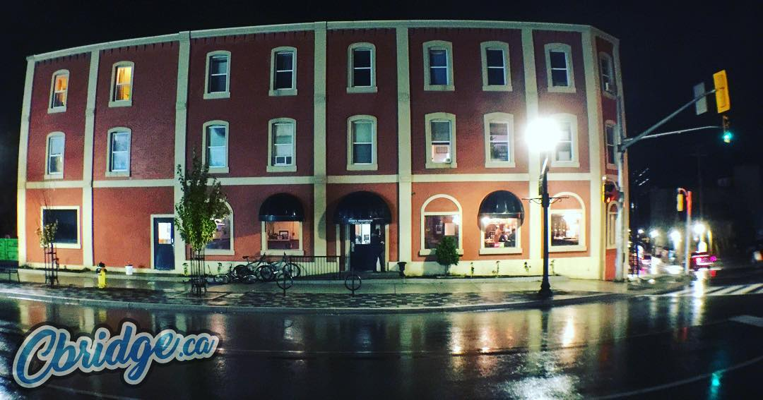 Ernie's in the rain #cbridge #mycbridge