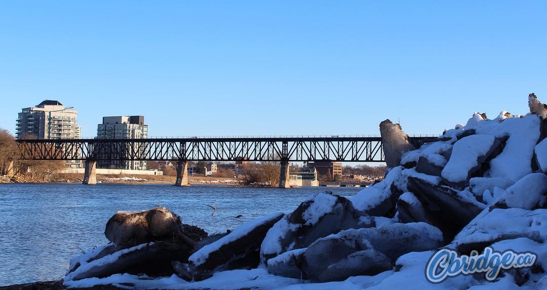 Icy chunks of the frozen Grand River still remain in Riverbluffs Park #cbridge #mycbridge
