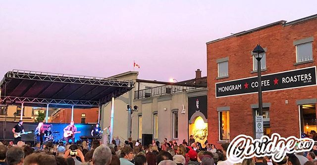 Watching @thereklaws rock the Old Post Office opening #discoveropo #cbridge
