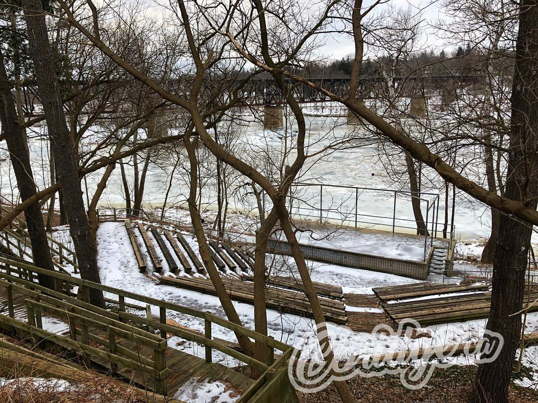 March 18th the @wr_dsb will decide the fate of the Amphitheatre behind GCI. Should it be saved? #cbridge