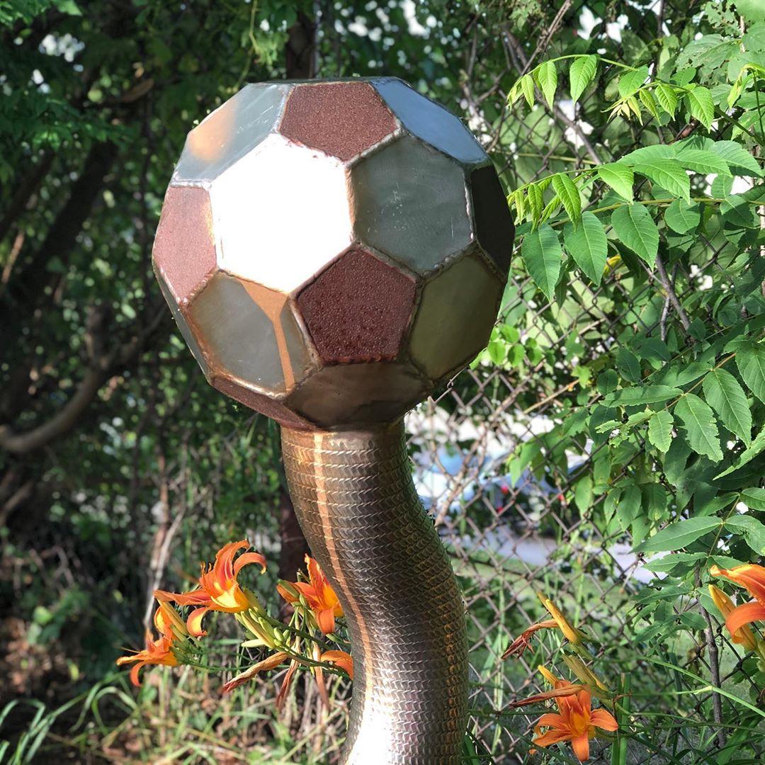 Quiz time: where is this sculpture located? #cbridge