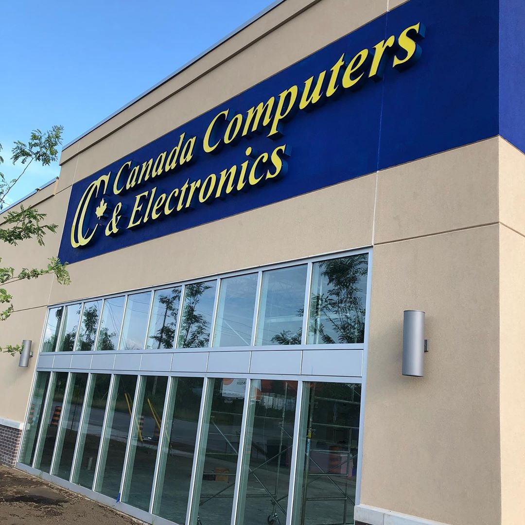 Was more than a little happy to see this sign go up in #cbridge yesterday. So overdue having a computer parts store in town.